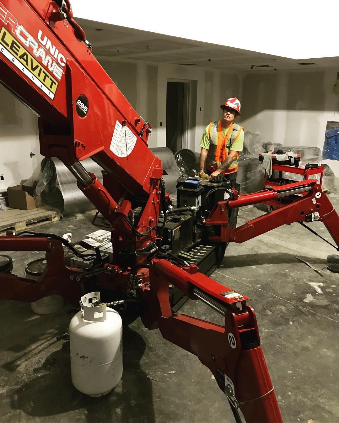 Spydercrane mini-crane being use by one of our Gilmar Crane Service employees. Good for indoor or outdoor confined areas.