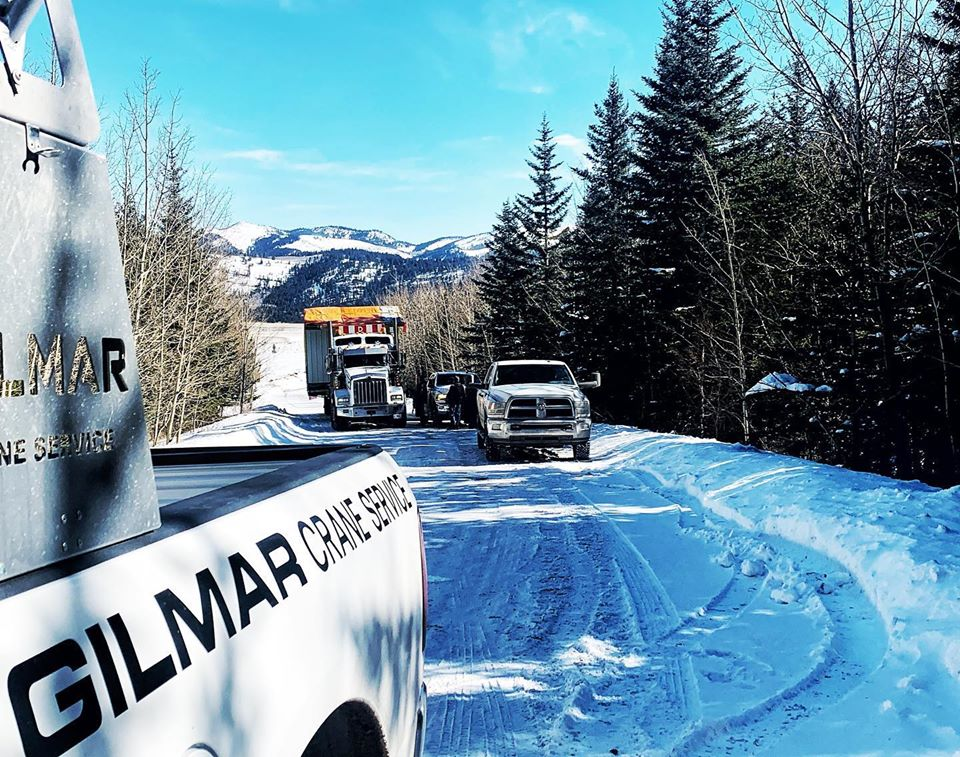 heavy hauling and pilot car services in western Canada based out of lLethbridge Alberta