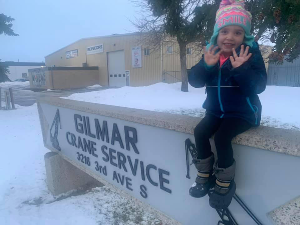 Gilmar Crane had a little visitor recenlty